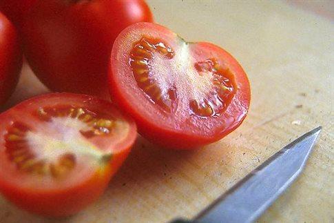 Η ντομάτα μειώνει τον κίνδυνο εκδήλωση καρκίνου του δέρματος