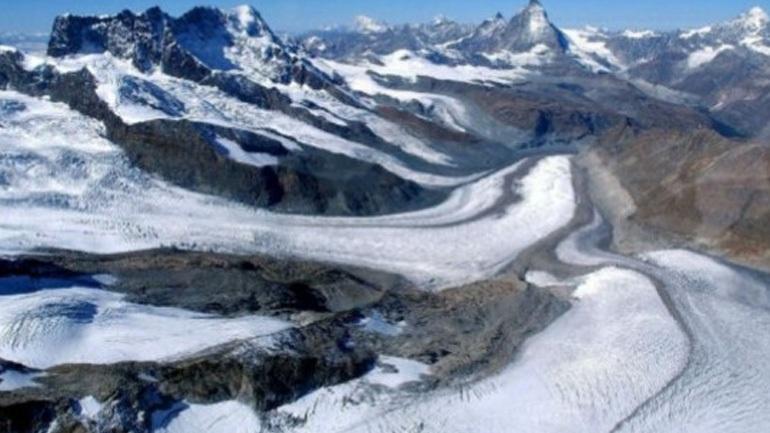Εντοπίστηκαν σε παγετώνα τα μουμιοποιημένα πτώματα ζευγαριού που χάθηκε πριν από 75 χρόνια