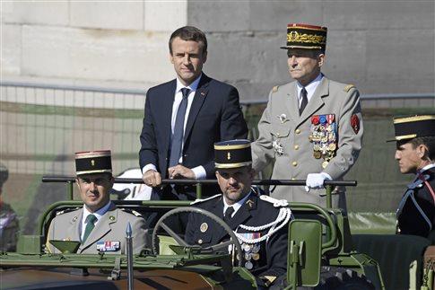 Ηχηρή παραίτηση του αρχηγού των γαλλικών Ενόπλων Δυνάμεων