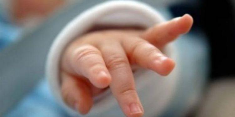 Μωρό ξεψύχησε κλειδωμένο σε ΙΧ ενώ η μάνα ήταν στο … κομμωτήριο!