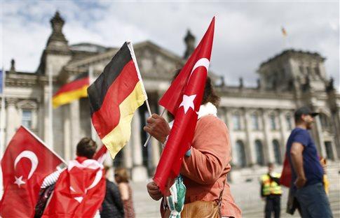 «Απάντηση» στην Γερμανία υπόσχεται η Τουρκία στην κλιμακούμενη κόντρα