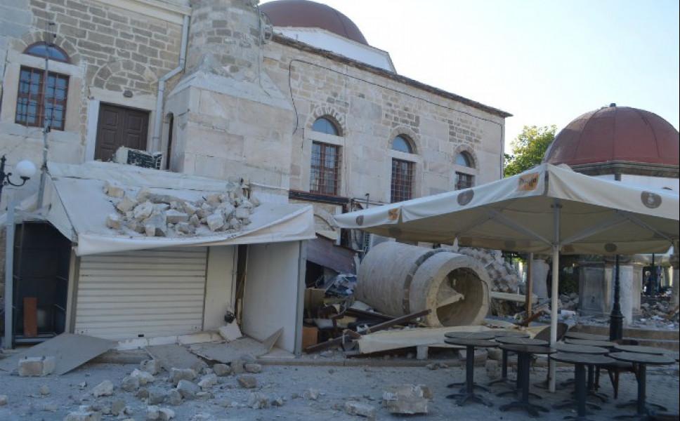 Τα βλέμματα της πολιτικής ηγεσίας στραμμένα στους πληγέντες από τον σεισμό στην Κω