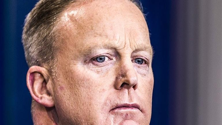Εγκατέλειψε το Γραφείο Τύπου του Λευκού Οίκου ο Spicer - Στη θέση του ο Scaramucci