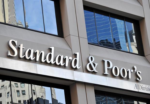 Στον προθάλαμο της αναβάθμισης η Ελλάδα από την Standard & Poor's