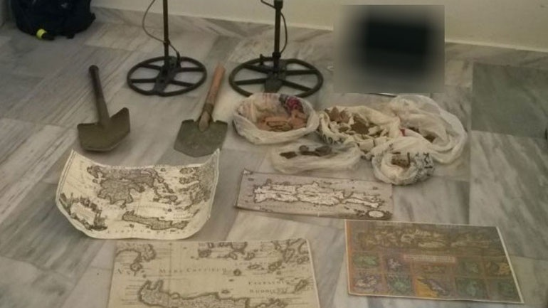 Κρήτη: Με χάρτες και εξοπλισμό έκαναν λαθρανασκαφή σε αρχαιολογικό χώρο