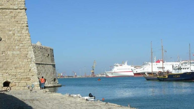 Αναστάτωση σε πλοίο λίγο πριν δέσει στο λιμάνι του Ηρακλείου