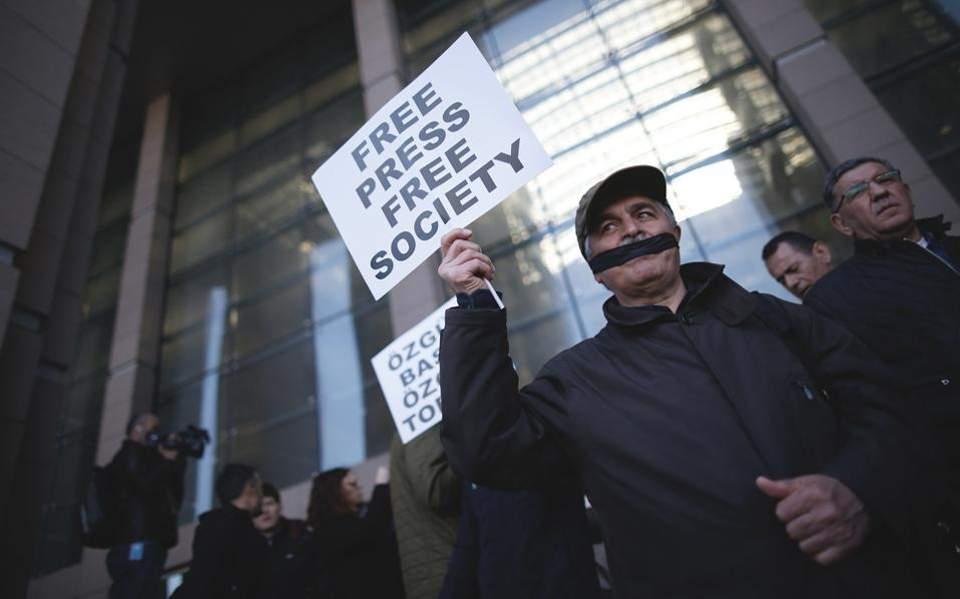 Ξεκινά η δίκη - πλήγμα στην ελευθερία του Τύπου στην Τουρκία