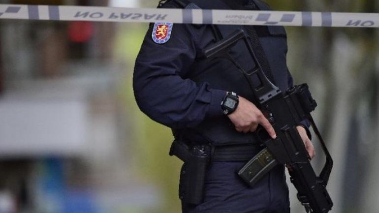 Μαχαίρωσε αστυνομικό φωνάζοντας «Αλλάχ Άκμπαρ»