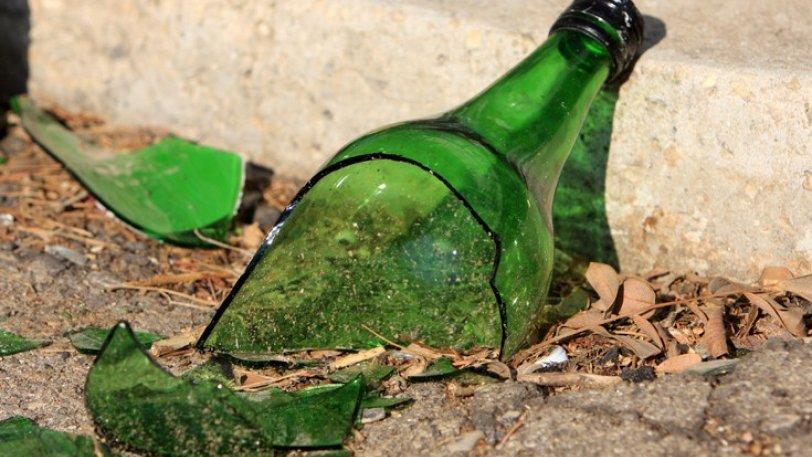 'Εσπασε μπουκάλι & το κάρφωσε στα πλευρά συντοπίτη του σε πανηγύρι!