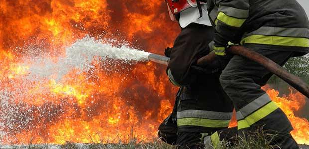 Μεγάλη πυρκαγιά στην Ανάβρα