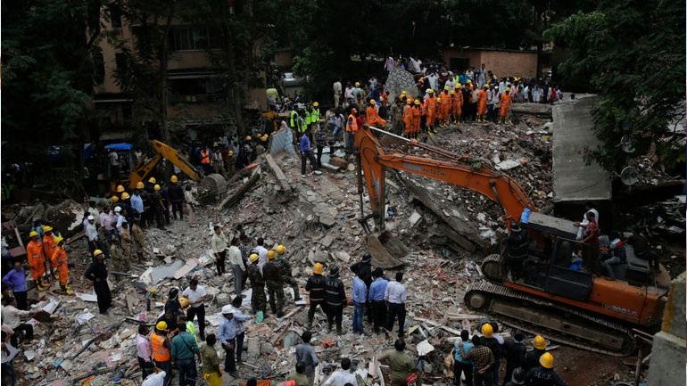 Ινδία: Τουλάχιστον 17 νεκροί από την κατάρρευση τετραώροφου κτηρίου σε προάστιο