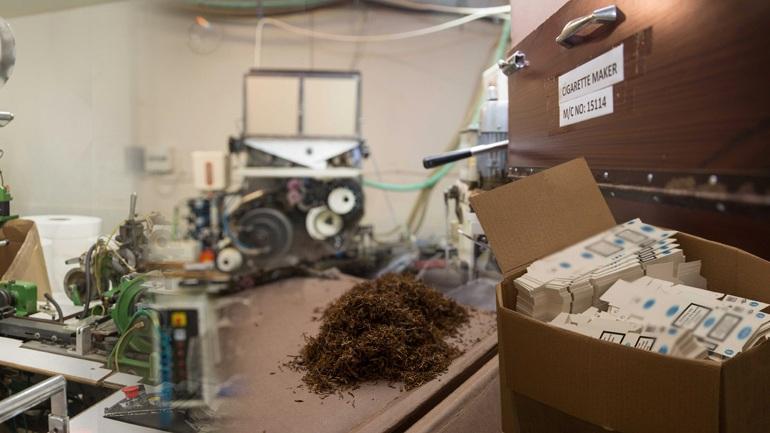 Τα εργοστάσια της μαφίας των λαθραίων τσιγάρων