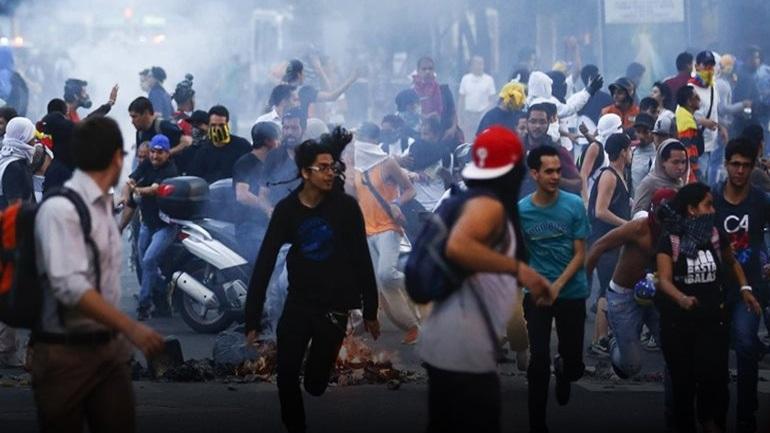 Τρεις ακόμα νεκροί σε ταραχές στη Βενεζουέλα