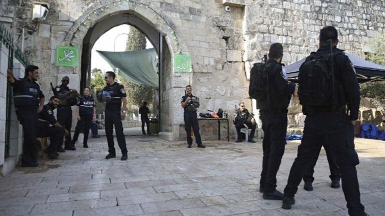 Απαγορεύτηκε σήμερα η πρόσβαση στην Πλατεία των Τζαμιών στους άνδρες κάτω των 50 ετών