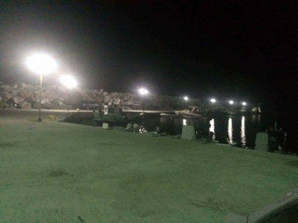 «Φωτίστηκε» το λιμάνι της Αγριελιάς στο Καμάρι