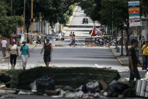 Εν μέσω διαδηλώσεων, οι πολίτες της Βενεζουέλας εκλέγουν Συντακτική Συνέλευση