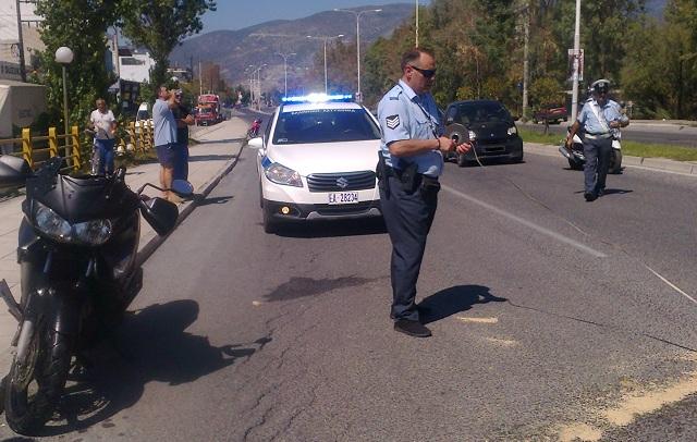 Σύγκρουση μοτοσικλέτας με μηχανική σκούπα στην Αθηνών