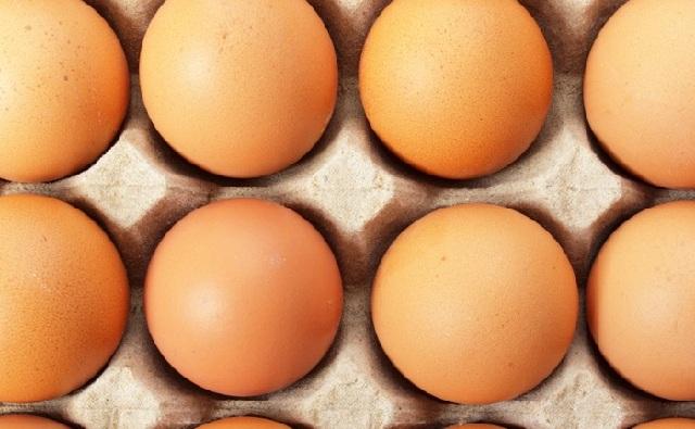 Οι αρχές Γερμανία και Ολλανδίας αποσύρουν αυγά που μολύνθηκαν από εντομοκτόνο