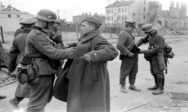 Και η Πολωνία στη διεκδίκηση των αποζημιώσεων για τη γερμανική κατοχή
