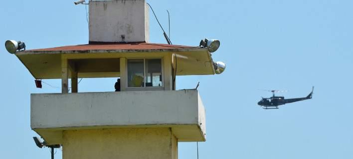 Απαλλάχθηκαν 4 αστυνομικοί που βιντεοσκοπούσαν γυμνιστές από ελικόπτερο της Υπηρεσίας