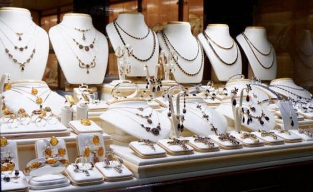 Πολίτες ακινητοποίησαν τρεις γυναίκες που αφαίρεσαν κοσμήματα από χρυσοχοείο στα Ιωάννινα
