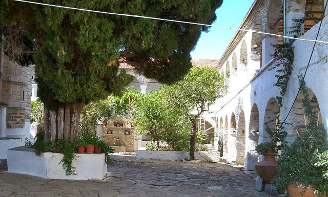 Δεν θα χτυπήσει η καμπάνα το Δεκαπενταύγουστο στο ιστορικό μοναστήρι στο νησί Τρίκερι
