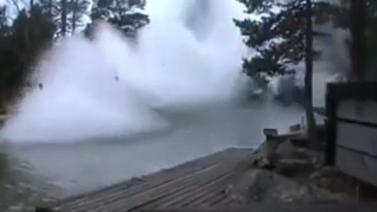 Τι συμβαίνει όταν ο κεραυνός χτυπάει ένα ποτάμι