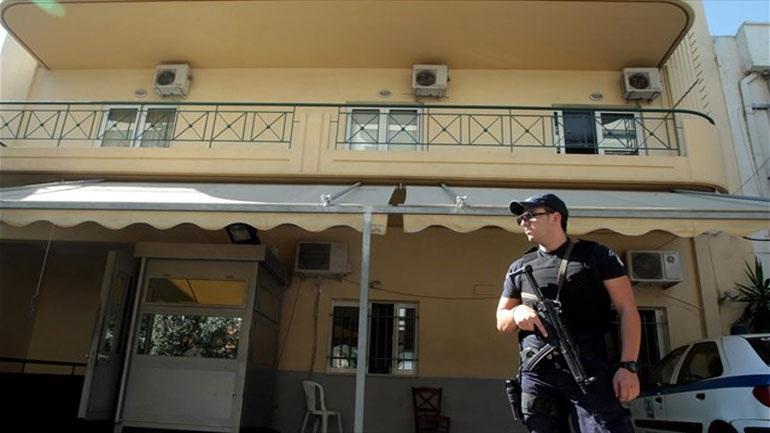 Θρίλερ στο Α.Τ. Γαλατσίου: Αλλοδαπός κρατούμενος απειλεί να σκοτώσει τον γιο του