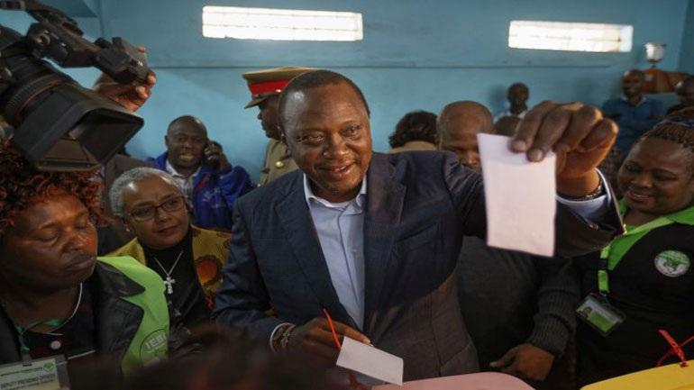 Δεν εντοπίστηκε νοθεία στις εκλογές της Κένυας - νεκρό κορίτσι σε διαδήλωση