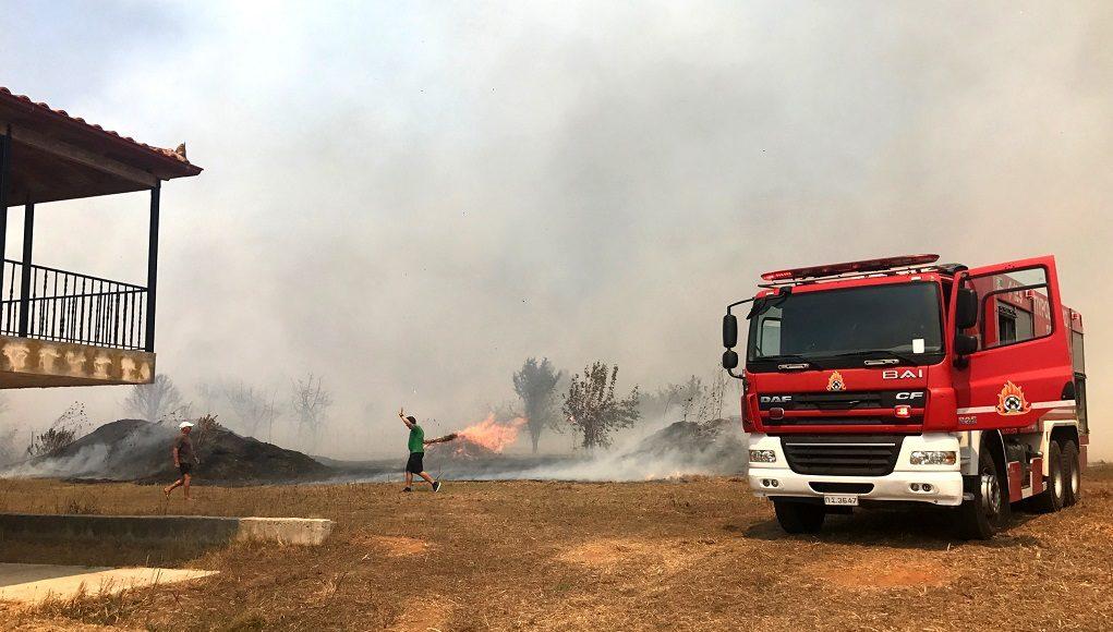 Μαίνεται η πυρκαγιά στην Ζάκυνθο – Τα υπόλοιπα μέτωπα στην Ελλάδα (video)
