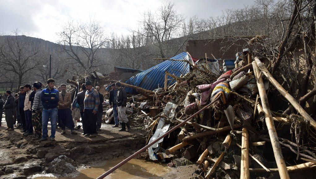 Πολύνεκρες πλημμύρες στο Ιράν – Ματαιώσεις πτήσεων στην Κίνα