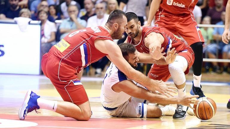 Βαριά ήττα για την Εθνική, 93-61 η Σερβία