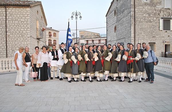 Ταξιδεύουν τα Ελληνικά χρώματα