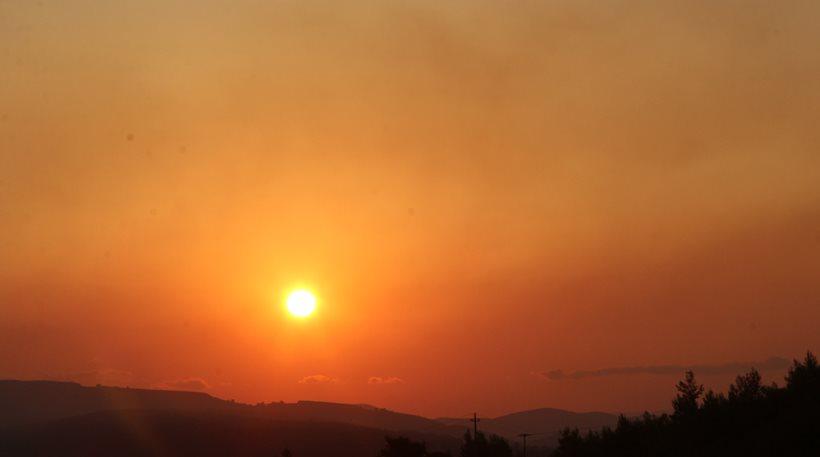 Έπεσε ο αέρας στο Καπανδρίτι - Τι φοβούνται στην Πυροσβεστική για το πρωί της Τετάρτης