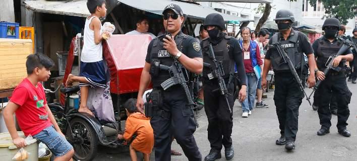 Φιλιππίνες: Η αστυνομία του Ντουτέρτε σκότωσε δεκάδες ανθρώπους σε επιχειρήσεις κατά των ναρκωτικών