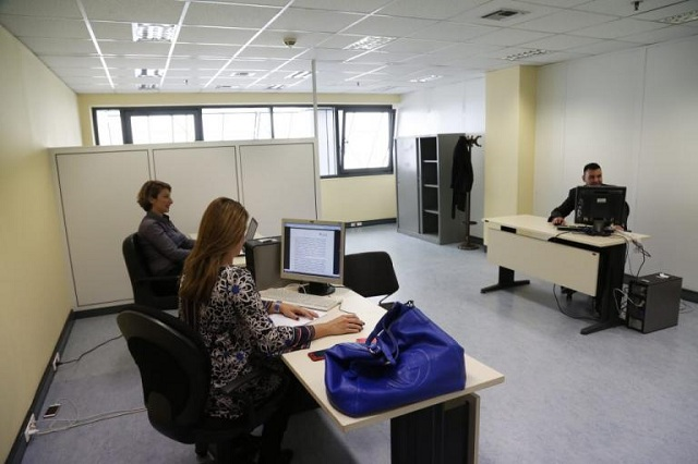 Δημόσιο: Μπόνους από 50 ως 450 ευρώ στους υπαλλήλους