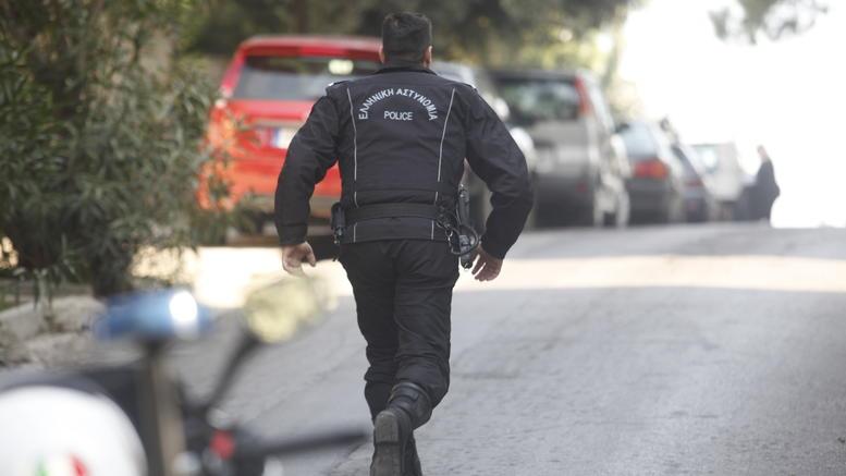Άγρια δολοφονία 54χρονου στο σπίτι του στη Νίκαια