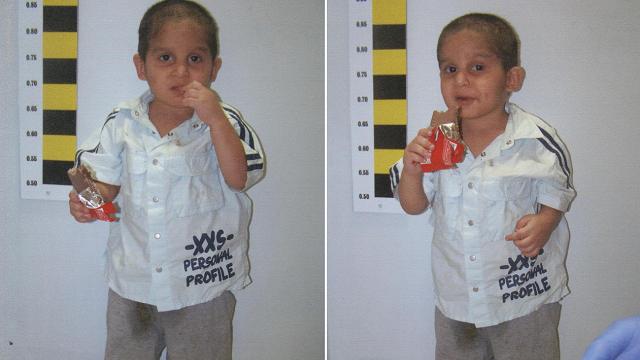 Στη δημοσιότητα φωτογραφίες του αγοριού που περιπλανιόταν μόνο του στη Λάρισα