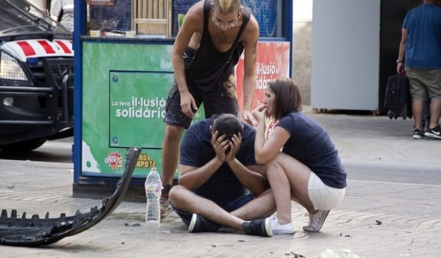 Συγκλονιστικές μαρτυρίες από τη Βαρκελώνη: Παιδιά ούρλιαζαν, ήταν μία κόλαση αίματος