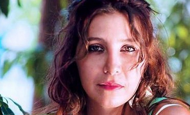 Η Μαρία Ελένη Λυκουρέζου αποχαιρετά την αγαπημένη της μητέρα