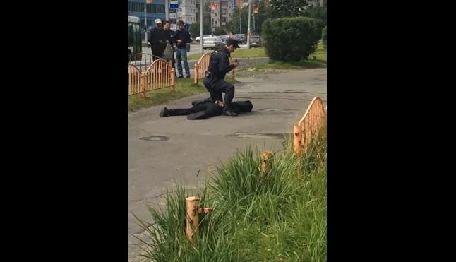Τρόμος στη Ρωσία: Μαχαίρωνε όποιον έβρισκε μπροστά του. 8 τραυματίες [vid]
