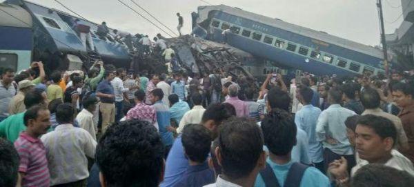 Εκτροχιασμός τρένου στην Ινδία - Νεκροί και τραυματίες