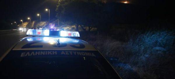 Εστησαν ενέδρα και έριξαν πέτρες σε περιπολικό στη Λάρισα