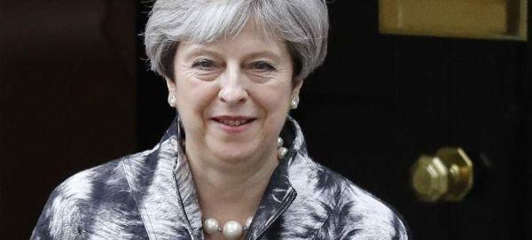 Η Μέι καταθέτει πέντε νέα έγγραφα διαπραγμάτευσης για το Brexit