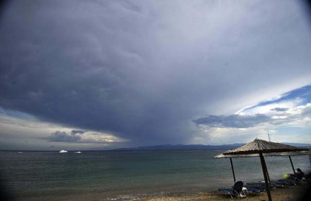 Έκτακτο δελτίο επιδείνωσης του καιρού: Βροχές, καταιγίδες, ακόμη και χαλαζοπτώσεις
