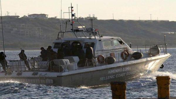 Σκάφος προσάραξε από την κακοκαιρία - Σώοι οι πέντε επιβαίνοντες