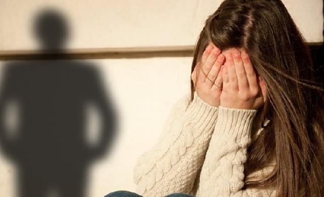 Στη φυλακή ο πατέρας που εξέδιδε την ανήλικη κόρη του για 5 ευρώ