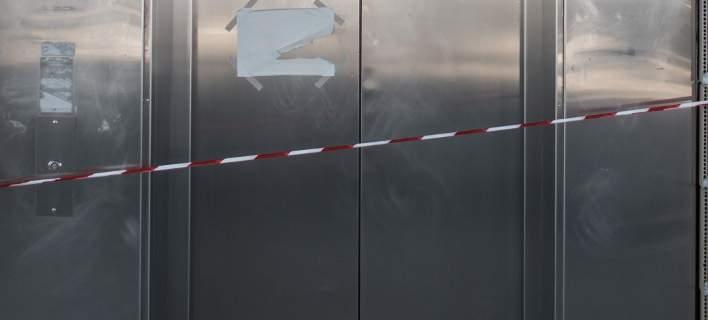 Τραγικό θάνατο βρήκε ζευγάρι. Κόπηκε το σκοινί από αυτοσχέδιο ασανσέρ και έπεσαν στο κενό