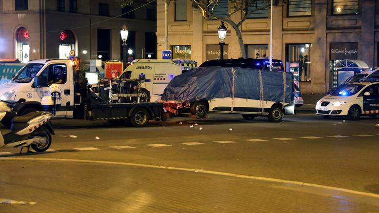 Βαρκελώνη: Υποπτος ομολόγησε πως ετοίμαζαν τριπλό χτύπημα με εκρηκτικά!