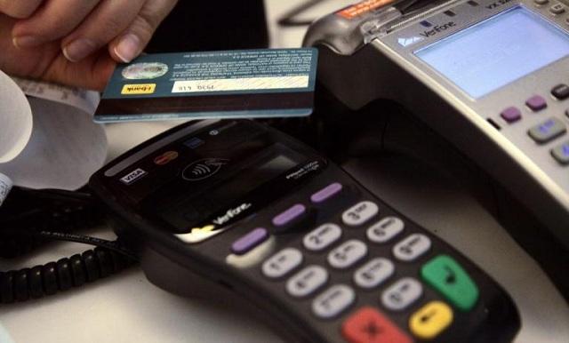 Πλαστικό χρήμα: Αρχίζουν οι κληρώσεις με έπαθλο 1.000 ευρώ